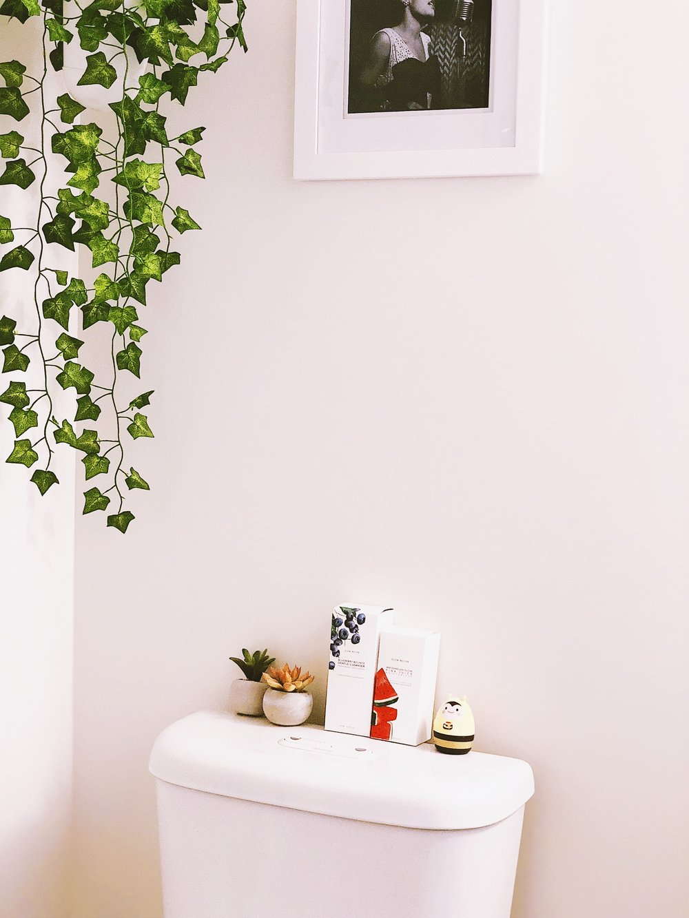 San Francisco Apartment Tour - Bathroom