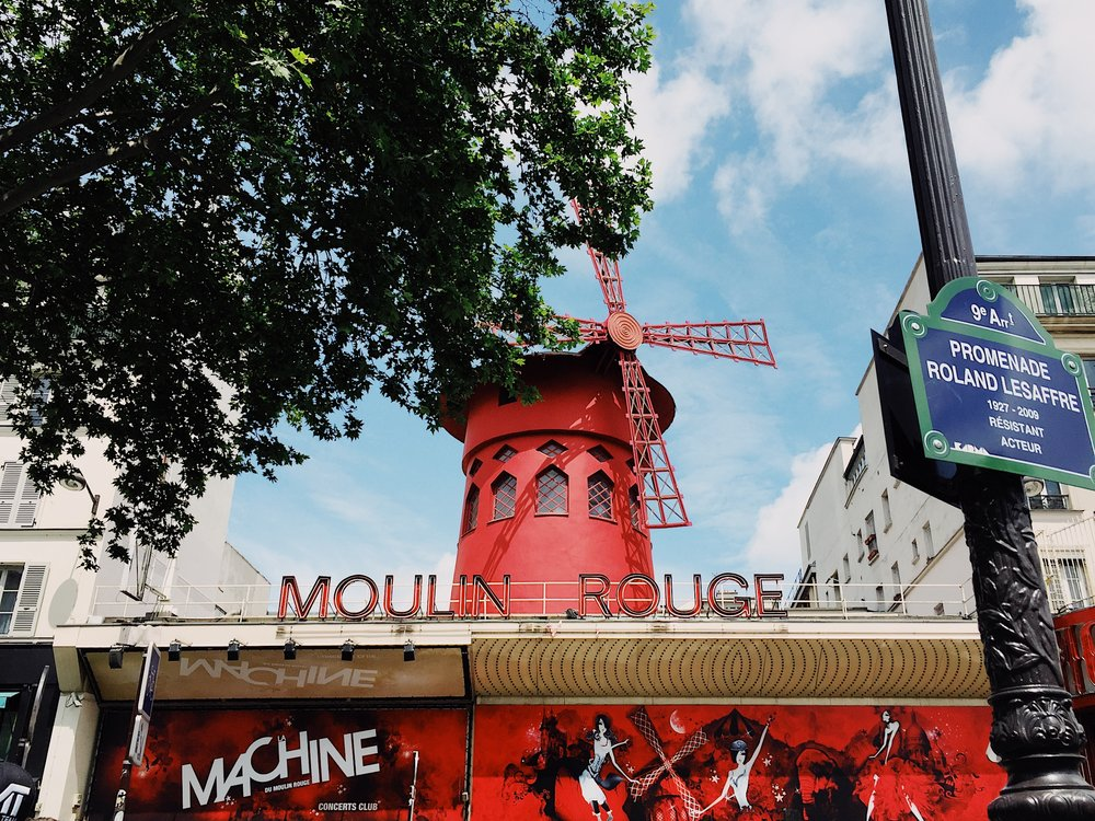 The Paris Bucket List - Moulin Rouge