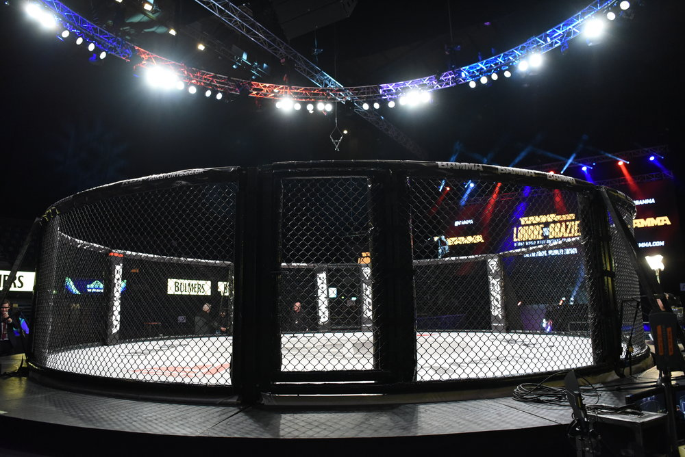 We're here at the SSE Arena patiently awaiting the start of BAMMA34. A catchweight bout will be up first between Diego Barbosa and Jonas Magard.