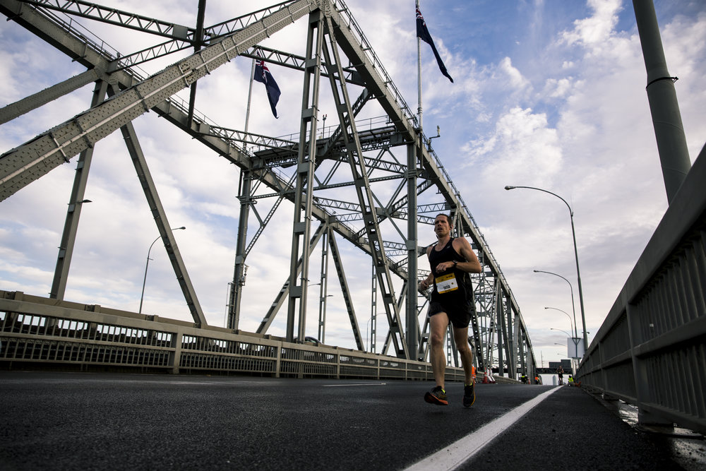 Runners in the ASB Auckland Marathon running up the Harbour Bridge. Auckland, New Zealand. 28th October 2018. Copyright photo: Alisha Lovrich / www.photosport.nz