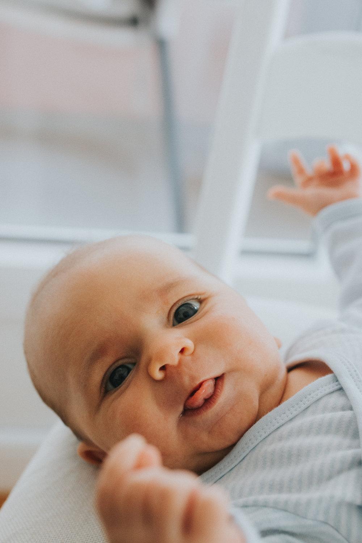 family / newborn -