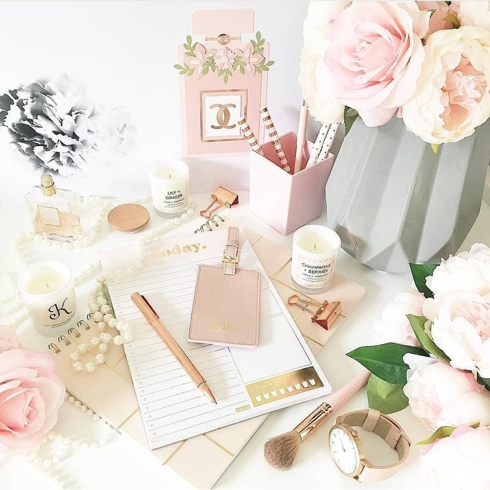 "Congratulations to our most recent winner @casacreativity who styled up this beautiful image for the ""on the desk"" theme.  A well deserved win! You desk is about to be filled with even more goodies thanks to @notestoselfnz."