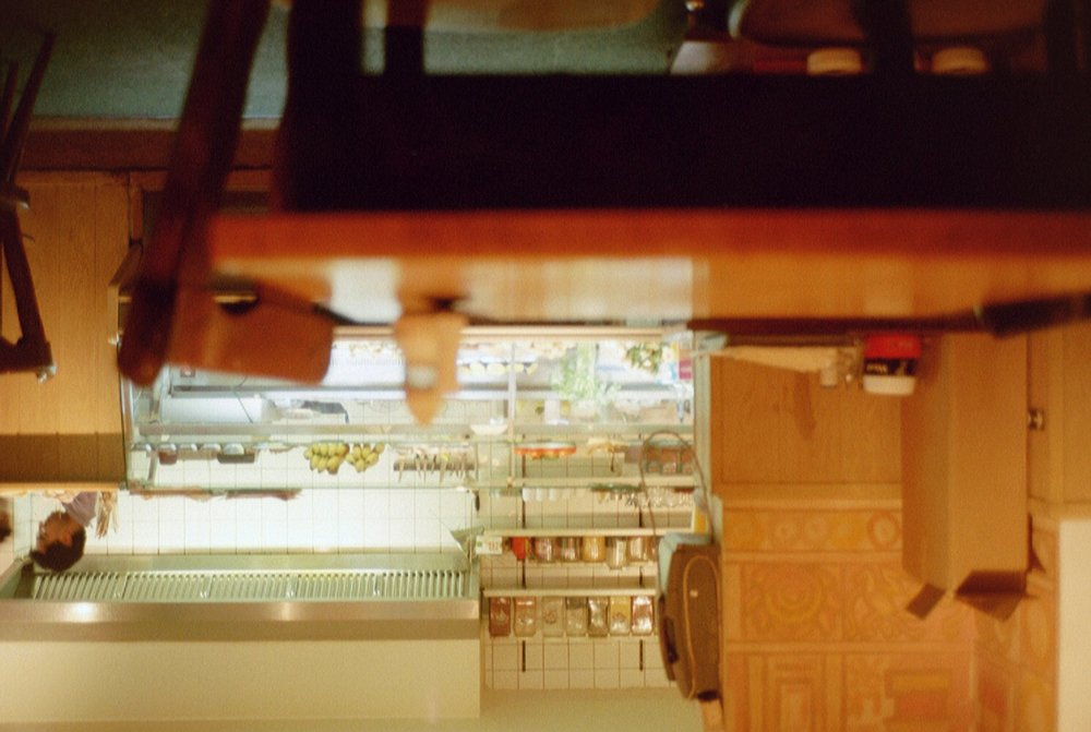 Wir essen beim Imbiss - Weil es dort so gut riecht.