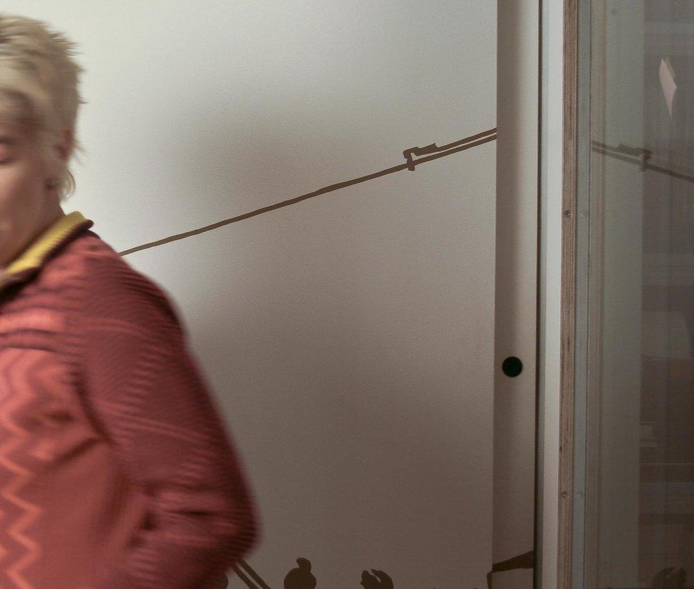 Rotraud Biem - Geboren 1966 in Aachen. Kindheit in Gießen, Berufswunsch Bücherwurm. Studium in Marburg, dann auf nach Berlin, um Schriftsetzerin zu werden. Seit 1992 beschäftigt mit Satz, Bildbearbeitung & Layout. Seit 2008 freiberuflich.Als freie Mitarbeiterin seit 2013 dabei. Lieblingswerkzeuge: Lasso und Zauberstab bei der Bildoptimierung.