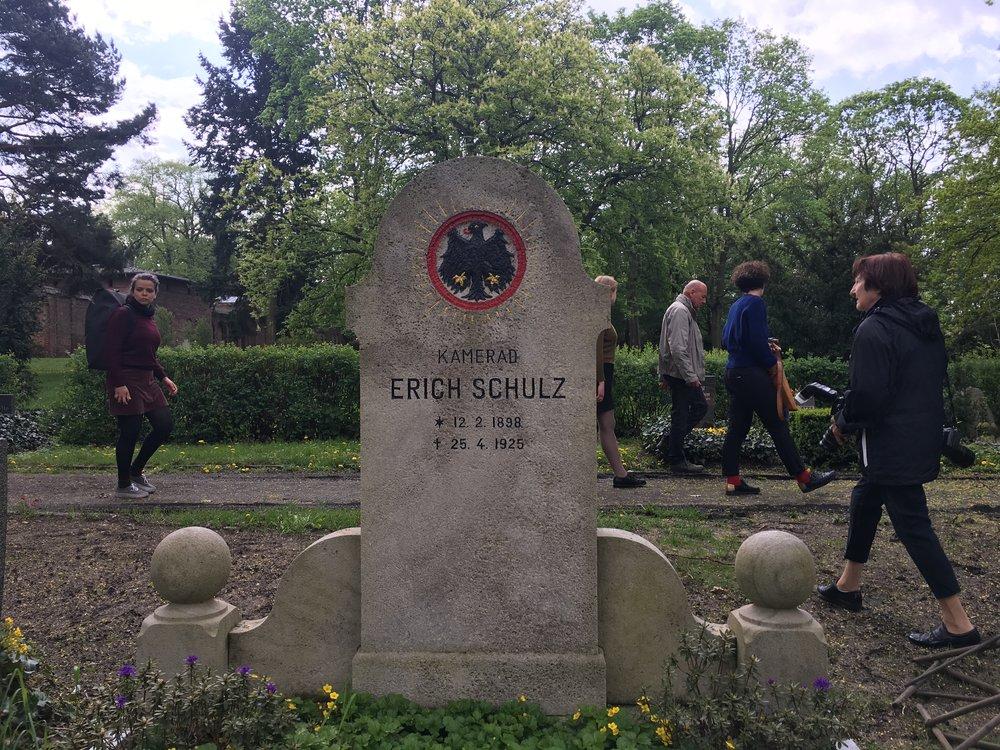 Grab des 1925 von Mitgliedern des reaktionären Wehrverbandes »Stahlhelm«ermordeten Lagerarbeiters Erich Schulz.