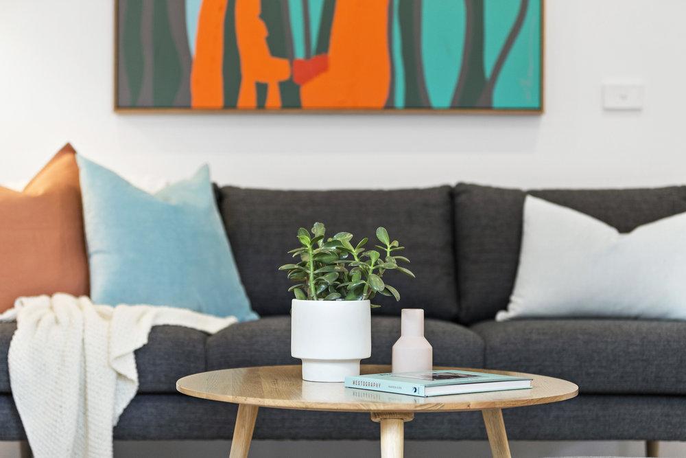 9-Living Room.jpg