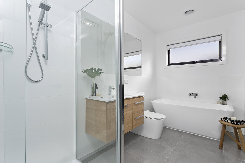 25-Bathroom.jpg