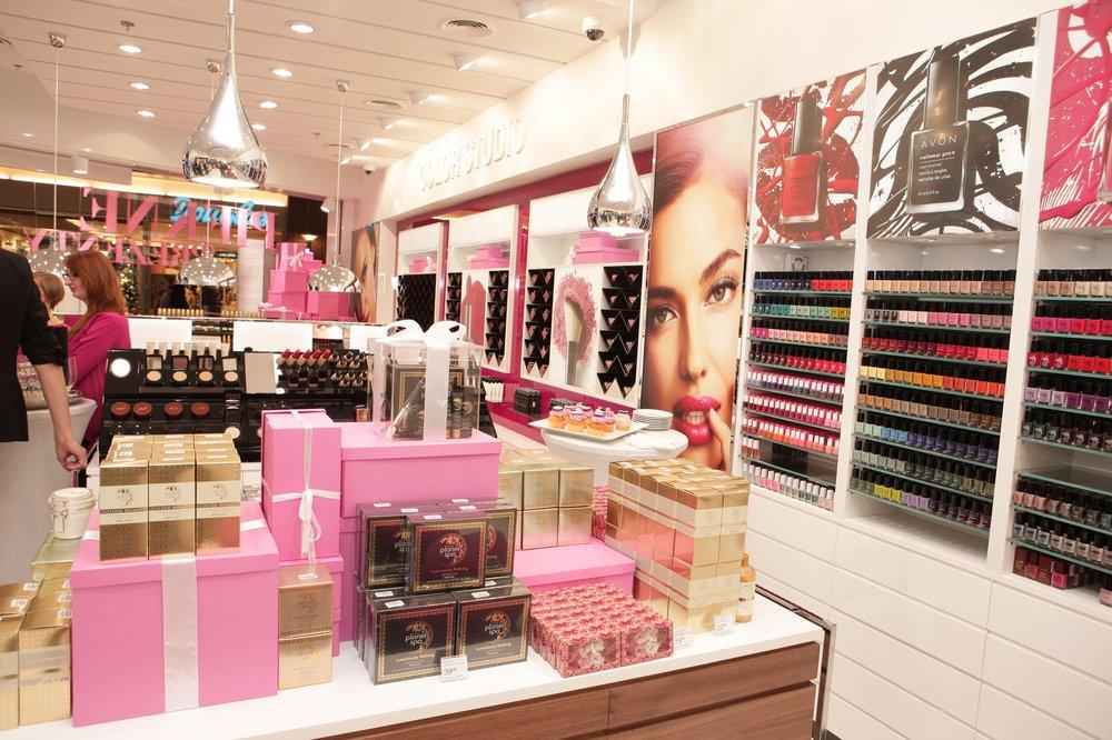 Retail Design & Visual Merchandising Avon