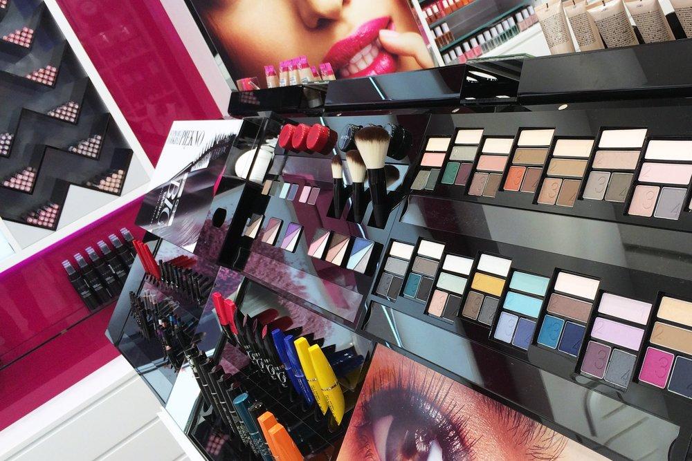 Avon Concept Store