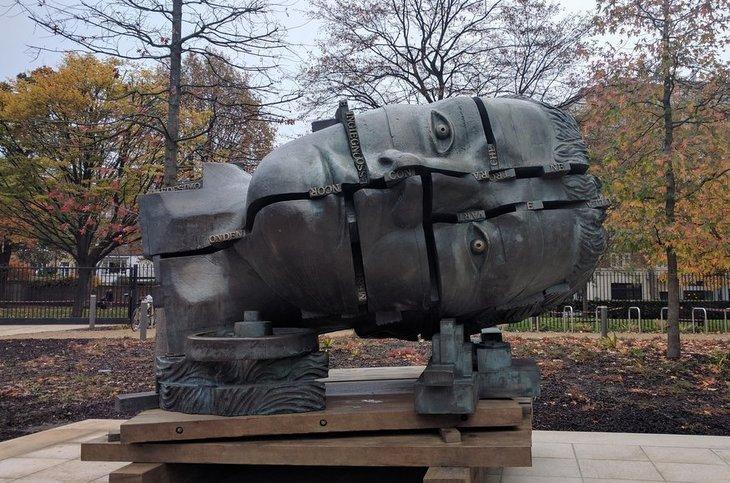 eduardo paolozzi head sculpture