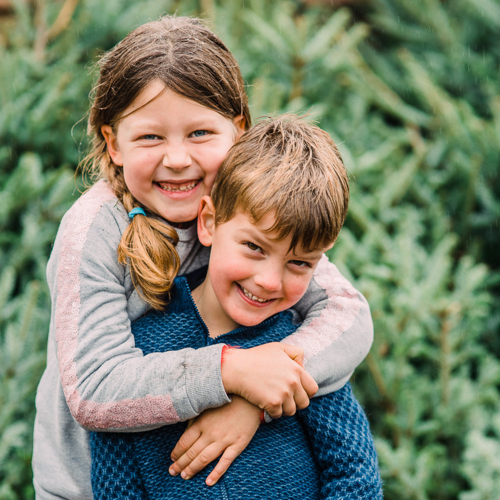 Brother and sister hugging - cheltenham child photos.jpg