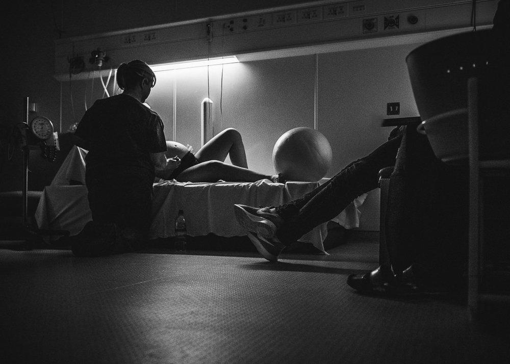 midwife check labour Chui King Li Photography-4560.jpg