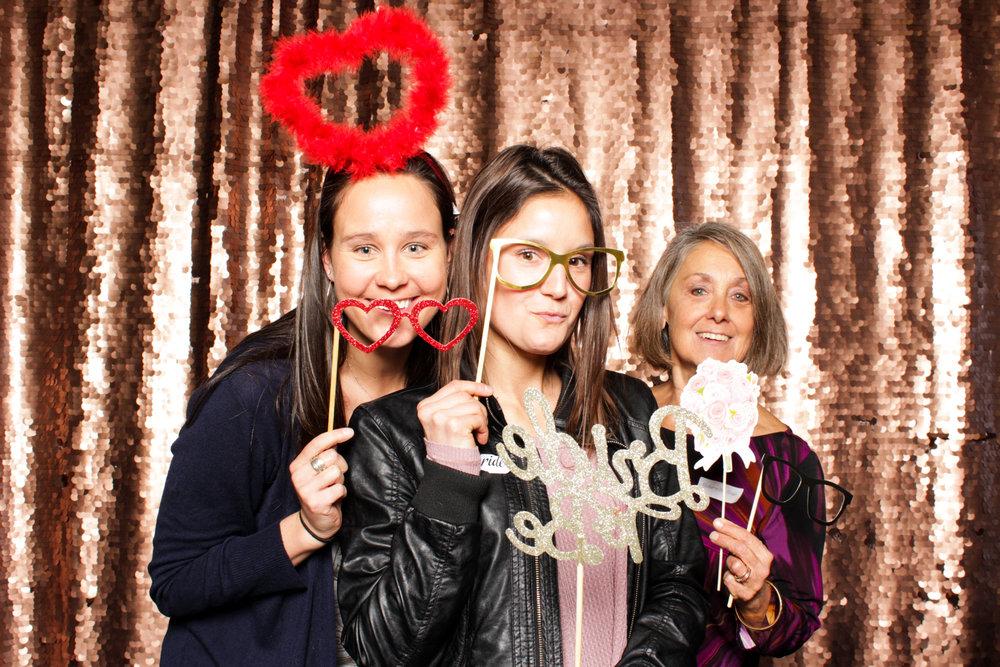 photoboth-golddigger-photobooth-backdrop