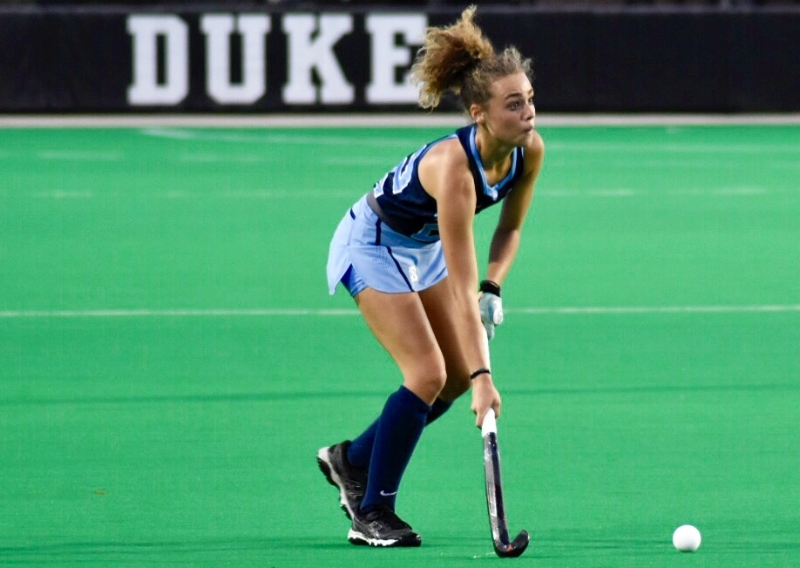 Eva Van't Hoog directed much of the Tar Heel attack from the midfield.