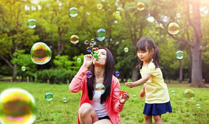 mom-daughter-blowing-bubbles.jpg