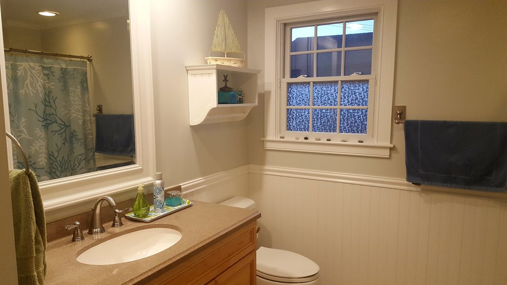 Stanton Cottage in Sand Hill Cove Bathroom
