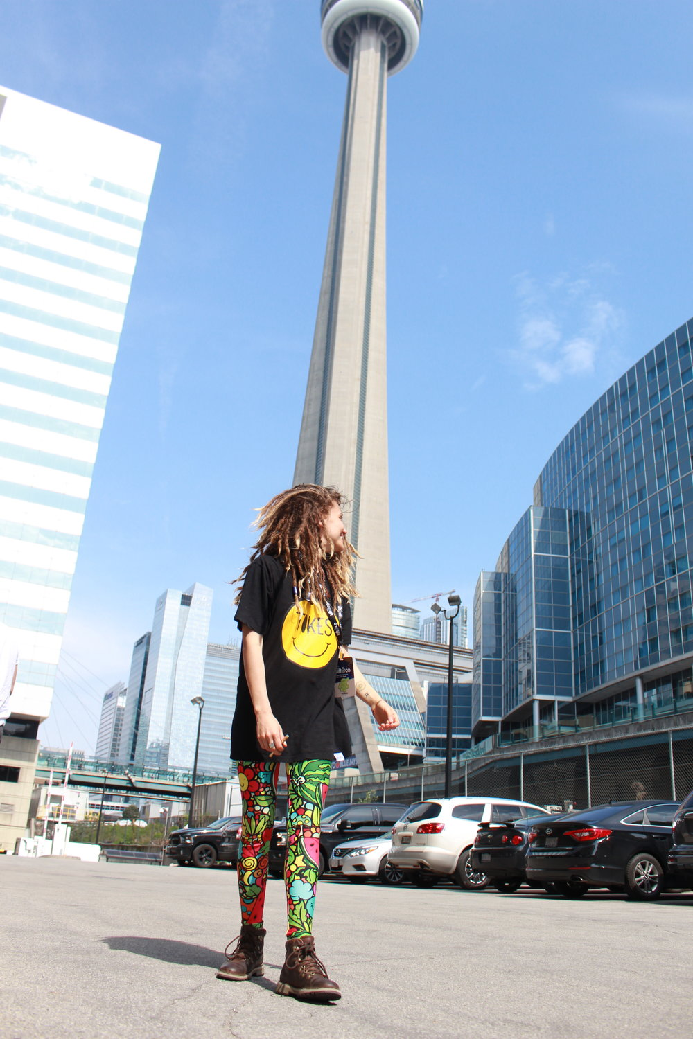 HappyTokes CN tower3.JPG