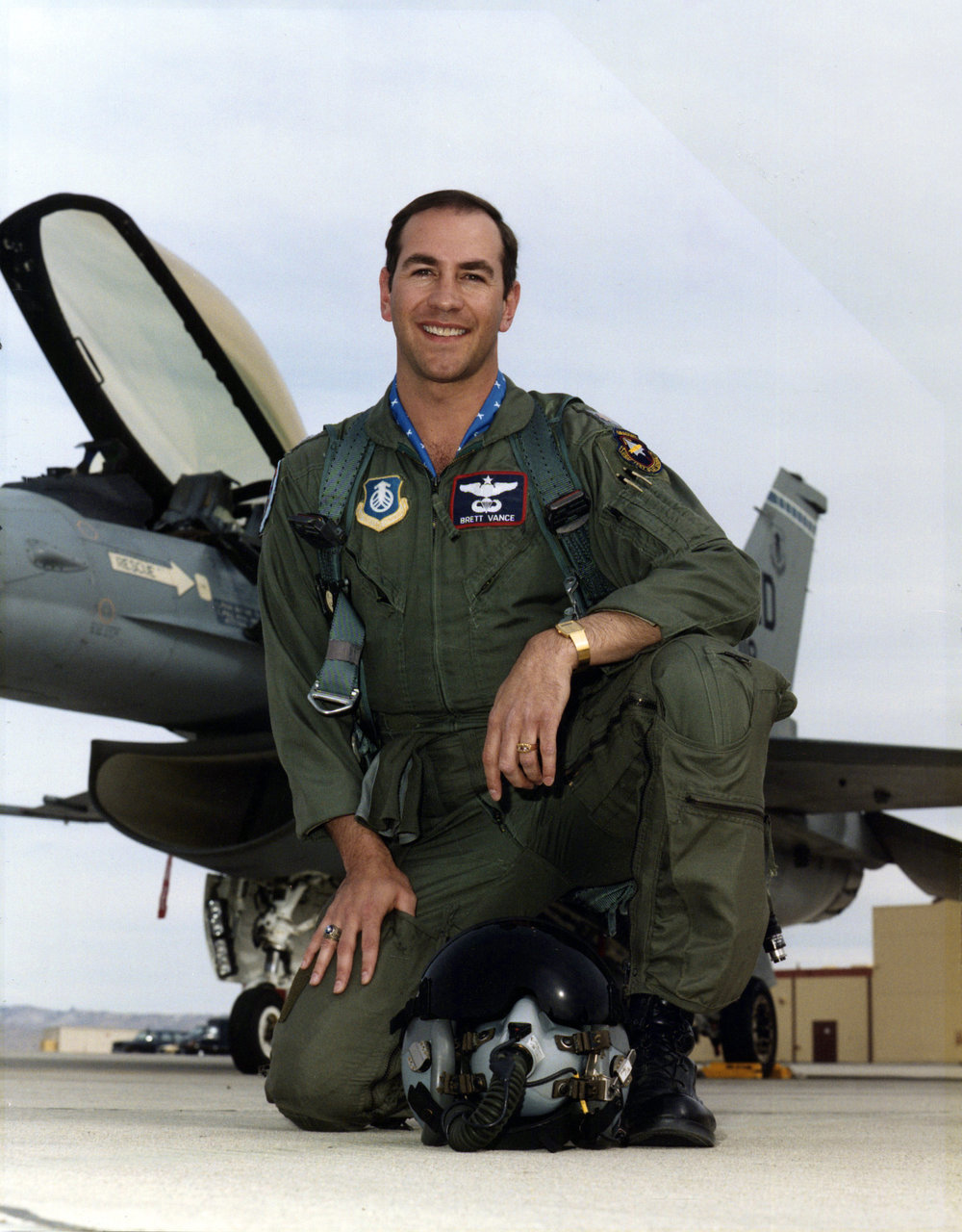 Brett (F-16).jpg