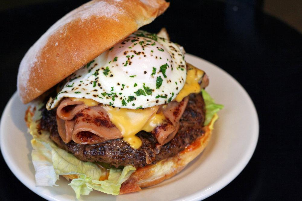 DMK-Bologna-Burger.jpg