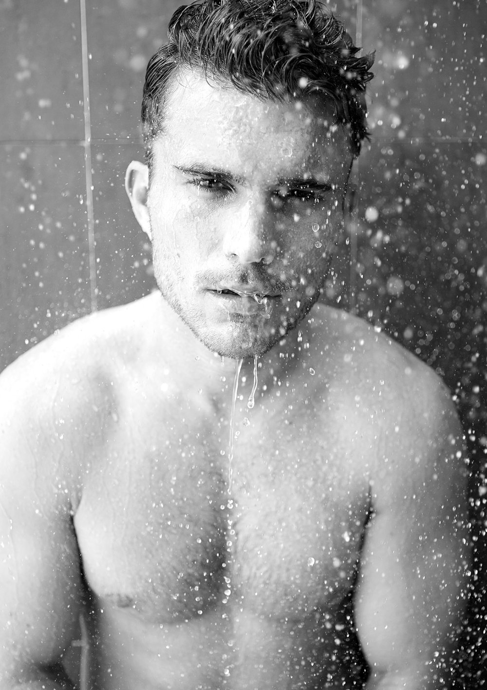 black-white-shower-male-model-fashion-1.jpg