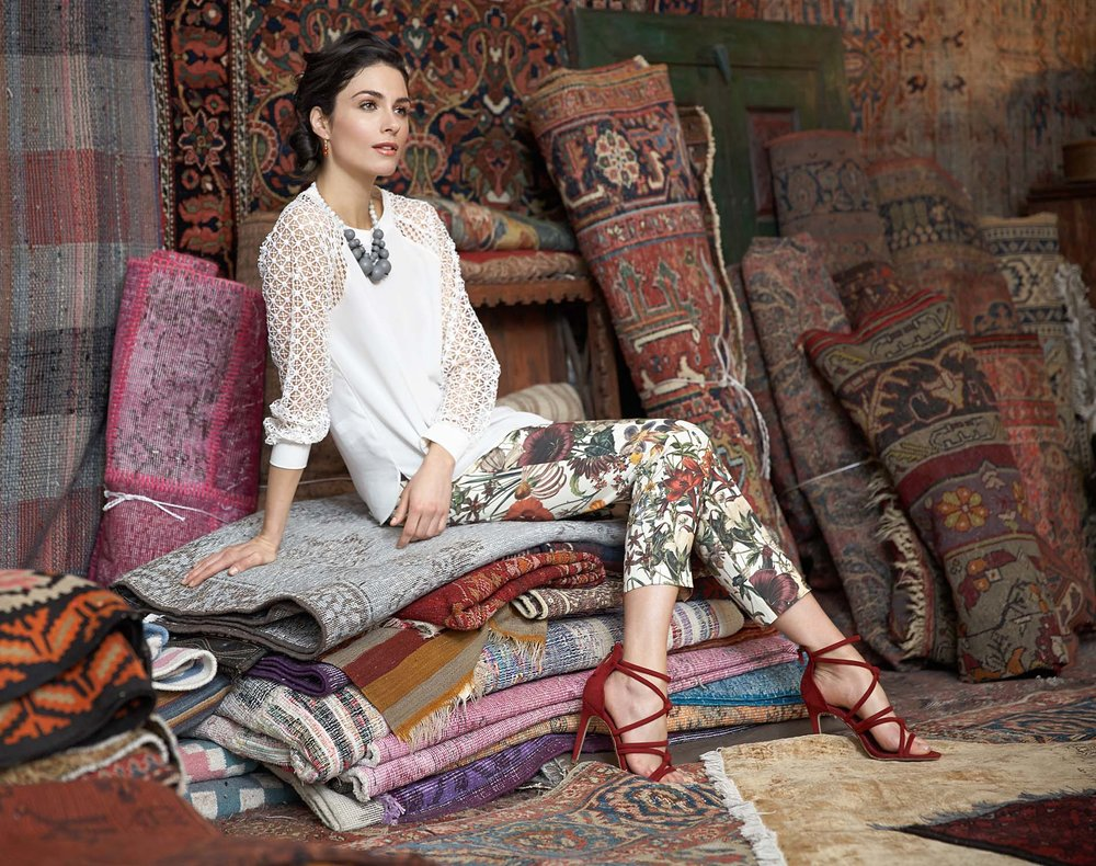fashion-femal-model-flea-market-rugs-1.jpg