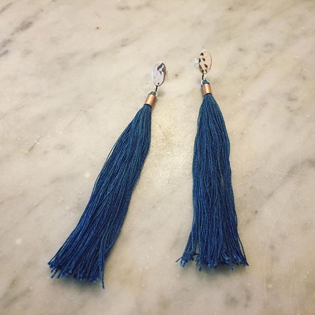 Just finished up a custom order for the tassel earring in indigo. A special collaboration project with natural dyer and wonderful friend @erikabmo