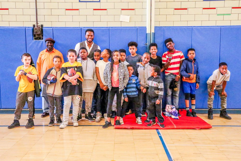 In Spring of 2018, former Steeler Will Allen paid Crossover a visit! The students enjoyed talking to him about peer pressure and the importance of working hard at school to achieve your dreams.