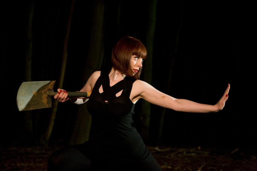 Gillian MacGregor spade Hit Girls - image by Zoe Ryan.jpg