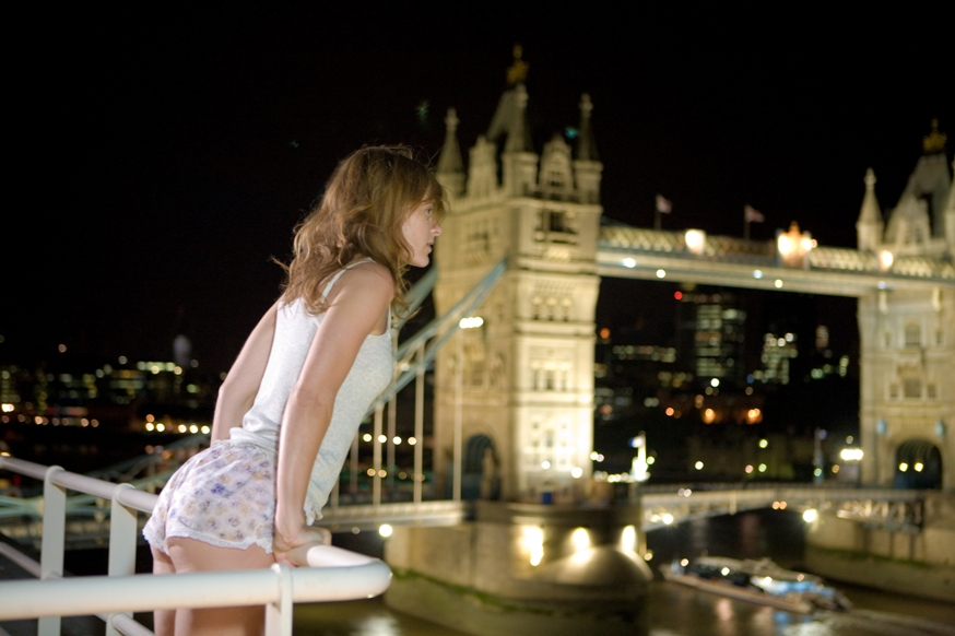 Tower Bridge Hit Girls - image by Zoe Ryan.jpg