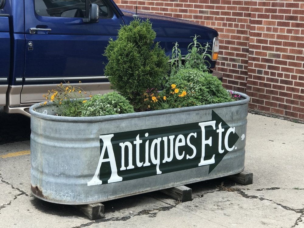 AntiquesEctStore4.JPG