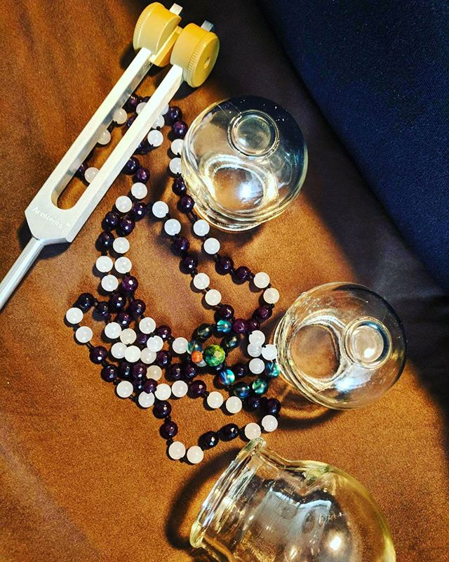 Healing tools come in many forms. Today for one of my patients I used a tuning fork, cups, acupuncture needles and her mala beads that rested on her lower back. Made for one peaceful treatment. *Tuning forks make the om sound frequency, which is very relaxing and grounding. Especially good for this trifecta full moon.💜🌕🔮🌠 #denver #colorado #healingvibes #holistichealth #selfcare #acupuncture #cupping #tuningfork #soundhealing #malabeads #fullmoon #bluemoon #supermoon #peaceful #meditation