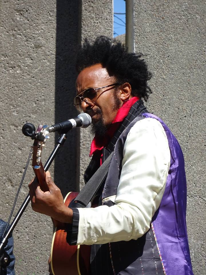 Fantastic_Negrito_on_stage.jpg