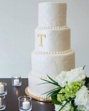 Thompson wedding cake.jpg