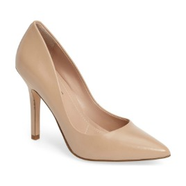 Pointy toe pump.jpg