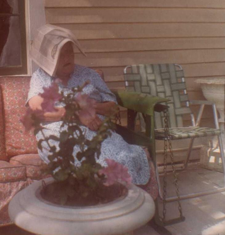 Walter's Mom March 1971.jpg