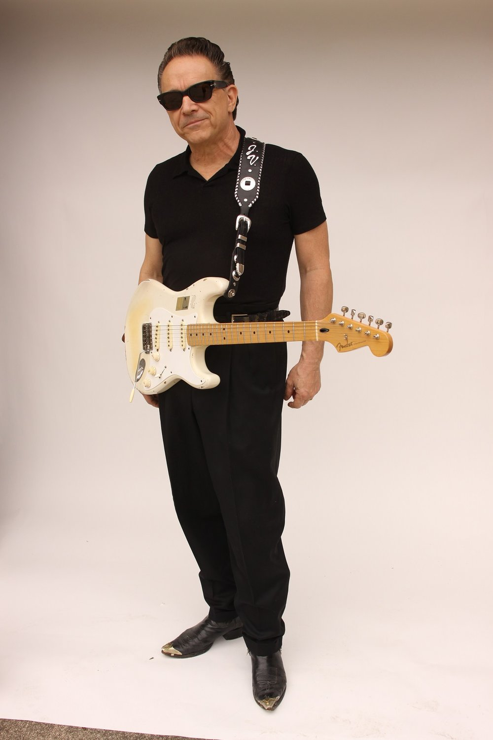 Jimmie Vaughan_photo_1 sm.jpg