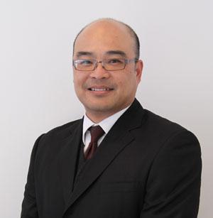 Australian Cosmetic Physician  Herbert Hooi MBBS (Syd) LLB (Hons) (UWA) FACEM