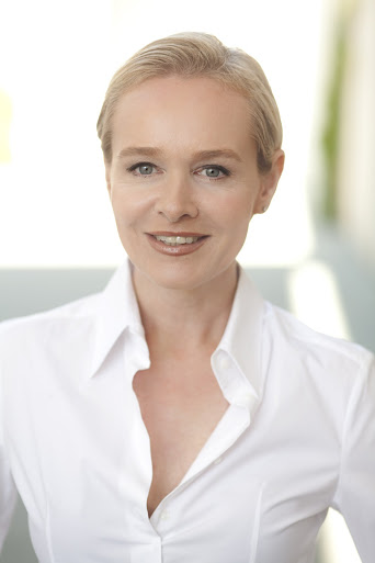 Germany Board Certified Plastic Surgeon Dr. Simone Hellmann