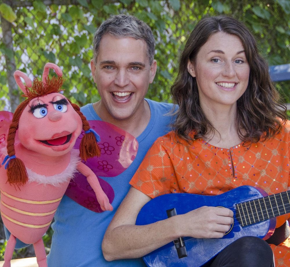 Hallowe'en howl - Join us for Soli & Rob's popular and interactive Hallowe'en Howl. You'll love the light-spirited songs about pumpkins, trick-or-treating and Hallowe'en fun. Puppet friends