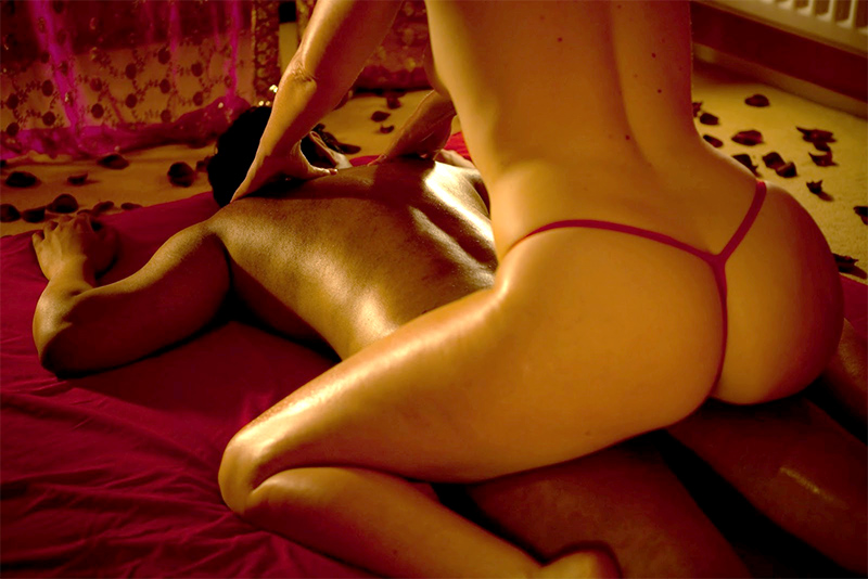 THE SILVER EXPERIENCE - TOPLESS MASSAGE + CLASSIC PAMPERING CATERED TO YOUSENSUAL MASSAGE 1011 HOUR  - $25090 MINS - $400