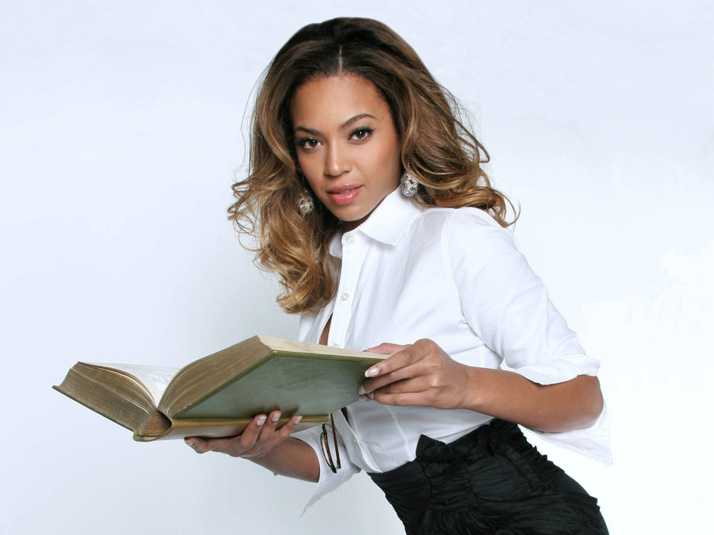 beyonce-reading-wallpapers_10795_1920x1440.jpg