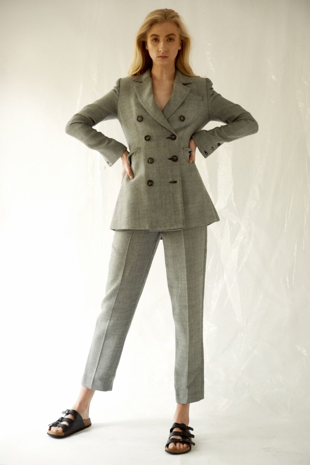 Suit: Camilla & Marc -