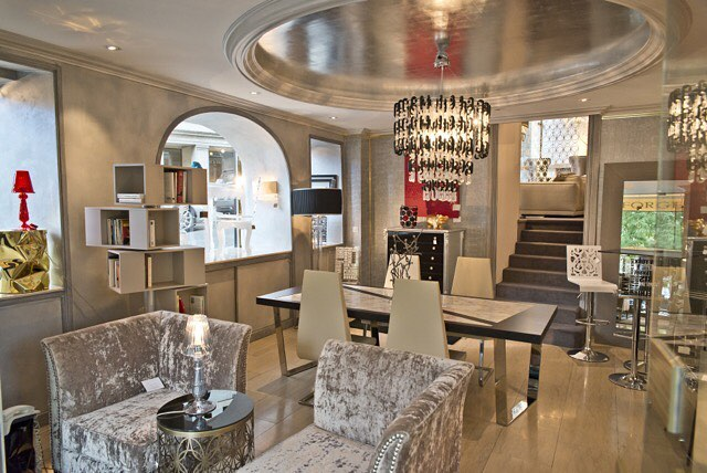 Welcome to our showroom located in the beautiful old city of Geneva !#desforgesdecoration #furnitureshop #luxuryfurniture #interiordesign #geneva #genevashopping #decorationinterieur #meublesluxe #genève #geneveshopping #زخرفة#ترف#أثاث#جنيف#التسوق