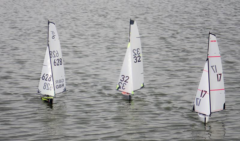 Radio sailing models running downwind: the mailsails and jibs are set to capture the wind coming at 180° degrees (sailing goosewinged).