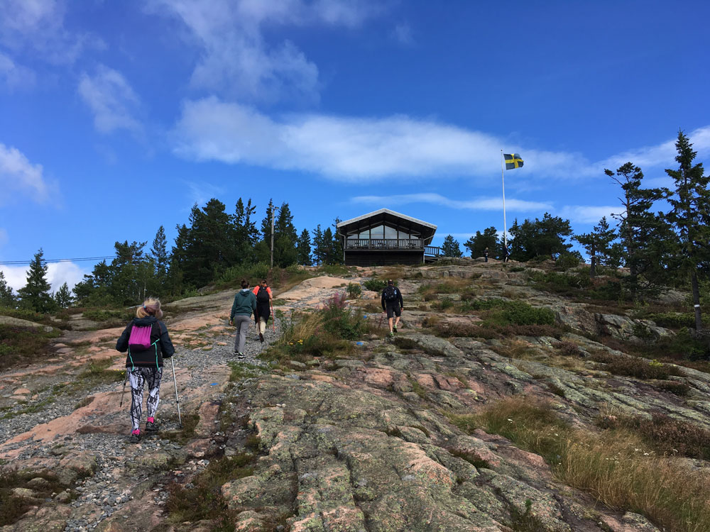 high-coast-sailors-hiking-skuleberget-from-the-pier-in-docksta.jpg