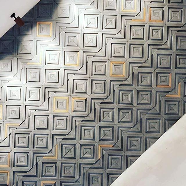 Gama by Tonk! #showroom #israel #tonkproject #tonk #concretetiles #tilesdesign #concrete ... @estilo_wall