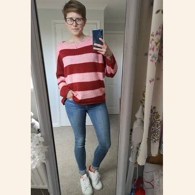 Obviously this is not today as I will be cracking out the shorts this weekend 🙌🌞😅 I've also set up another little IG account for all things mum-life, kids and food related @mindfulveganmumma to keep it purely style focused on here 👌 also with an attempt at not boring anyone unecessarily 😉 So........ Jumper @asos (few months old) Jeans @riverisland (mega old but still my faves)  Trainers @stansmithoriginals (hoping these will always look cool!) #mindfulstyling #mystyle #wiw #ootd #wearwhatyoulove #wearyourwardrobe #consumeless #instastyle #mumstyle #mymindfulwardrobe