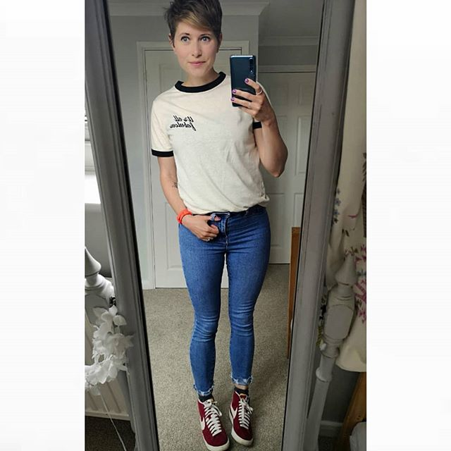 Adding some colour with my red @nike blazer high tops ❤️😀 Still totally in love with these high waisted jeans from @newlook super flattering and with a nice bit of stretch!  T-shirt @zara (few months old) Jeans @newlook (few months old) Trainers @nike  #mystyle #casualstyle #trainerlove #whatiwore #mymindfulwardrobe #shopyourwardrobe #buyless #mumstyle #ootd