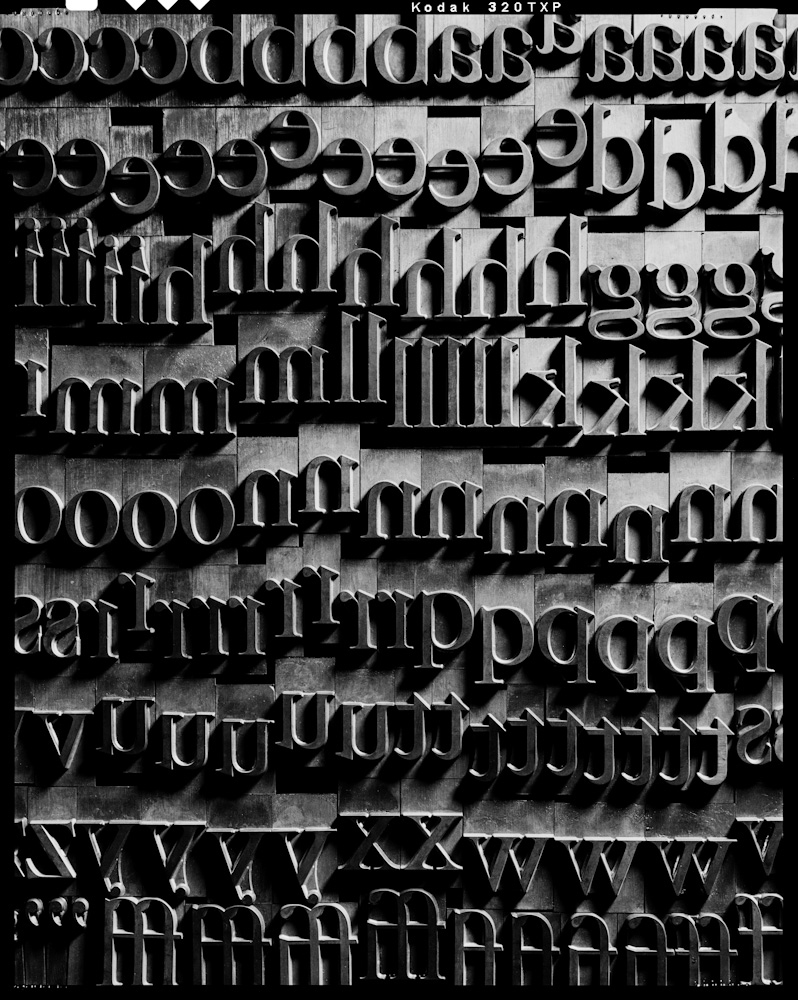 Photo by Craig Cutler : Galley of lowercase Garamond
