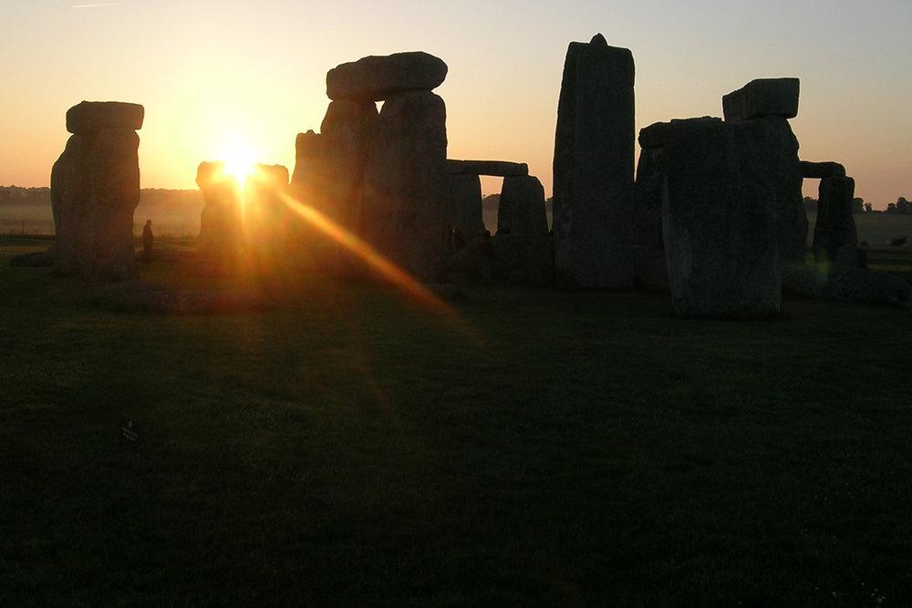 vcuk04-0613-stonehenge-70-temp.jpg